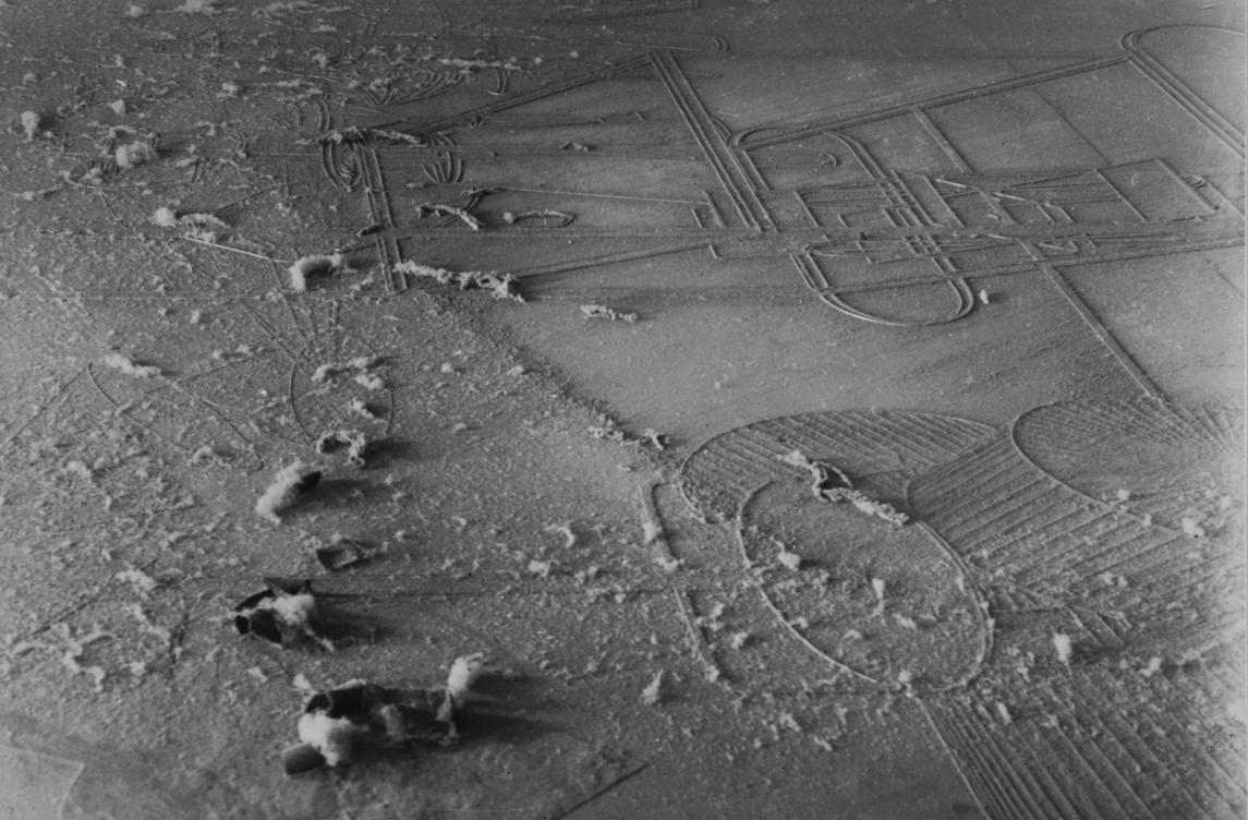 Élevage de poussière, Man Ray et Marcel Duchamp, 1920, Courtesy Galerie Françoise Paviot    ADAGP, Paris, 2015